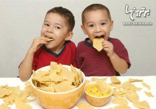۵ نشانه که فرزندتان زیاد غذا می خورد