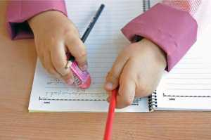 آموزش الفبا به کودکان قبل از مدرسه درست یا غلط ؟