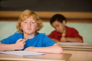 چگونه با رفتار های متغیر نوجوان خود برخورد کنیم؟
