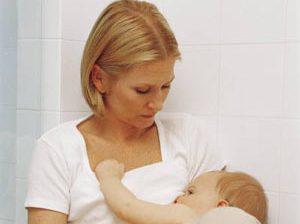 روز های اول شیر دهی به نوزاد