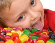 شیرینیجات زیاد، فرزند شما را چاق میکند