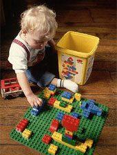 اسباب بازی های خانگی به کودک خلاقیت می دهد