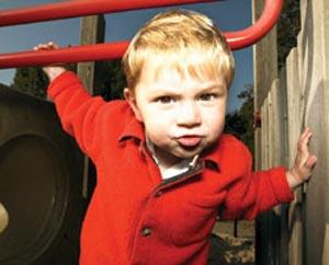 تهدید کردن بدترین کار در تشدید لجبازی کودک