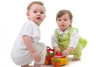 انتخاب اسباب بازی برای کودکان بسیار مهم است
