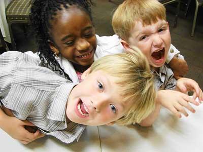 راه های حل مشکل دروغگویی کودکان