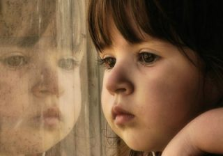 دلایل و نشانه های افسردگی و راه درمان آن در کودکان