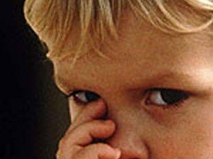 مکیدن انگشت شست در کودکان