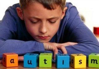بیماری اوتیسم در کودکان  و درمان آن