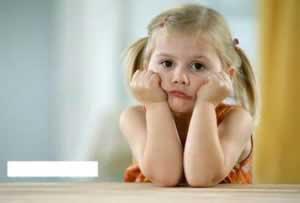 سن مناسب کودکان برای تنها گذاشتن در خانه چه سنی است؟