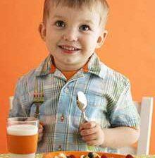مراقب پرخوری کودک خود باشید