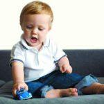 با کودکی که اشتباهش را نمی پذیرد چه کنیم
