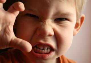 آشنایی با علل کجخلقی یا بدخلقی کودکان