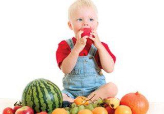 چگونه کودکان را به خوردن میوه تشویق کنیم؟