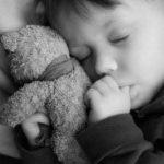 کودکانی که تنها نمی خوابند