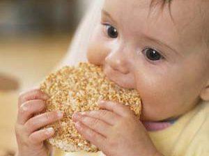 نکات مهم در تغذیه کودک جهت پیشگیری از رفتارهای ناخوشایند