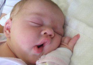 آپنه (تنگی نفس) در خواب در کودکان مدرسهای –