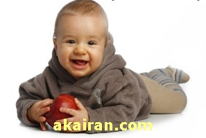 رشد کودک درسال اول زندگی (گرفتن اشیا)
