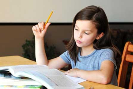 زمان آموزش زبان دوم به کودکان
